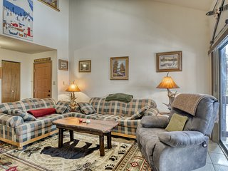 NEW LISTING! Cozy condo w/ easy access to snowboard & fish - walk to lift!