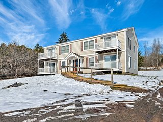 NEW! Condo w/Loft: 2 Miles to Windham Mountain Ski