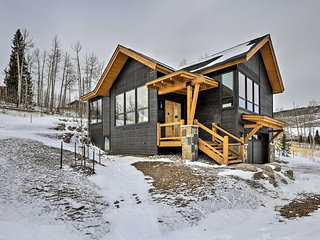 NEW! Contemporary Mountain Home ~13 Mi to Keystone