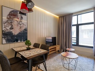 apto4.Superior 4 pax . Bilbao Metropolitan Apartments by Urban Hosts