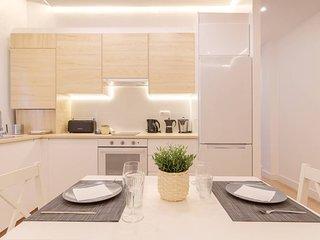 Apartamento reformado con encanto by Urban Hosts