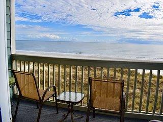 Oceanfront North Myrtle Beach condo, POOL IS OPEN- smaller complex