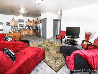 Stylish Duplex Near Snake River w/Garage!