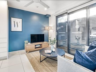 Artsy, Modern One-bed Apartment near Manly Beach