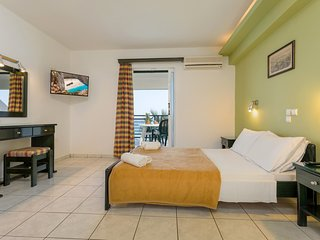 Sea View Hotel - Studio 2+2 guests