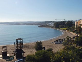 Direct access to El Cristo beach from the urbanisation.