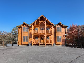 Family reunion-size log cabin w/ amazing views, private hot tubs, & home theater