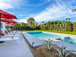 Ventura Hideaway - Pool home loaded with amenities just minutes to town!