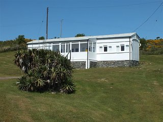 THE DUNES, 4 bedroom, Ceredigion