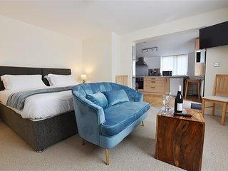 HENGOED APARTMENT, 1 bedroom, Pembrokeshire