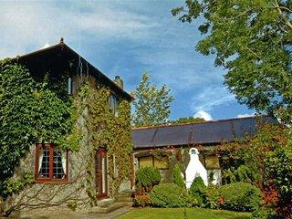 Sequoia Lodge, Pembroke