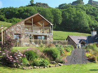 DAN CASTELL COTTAGE, 1 bedroom, Carmarthenshire