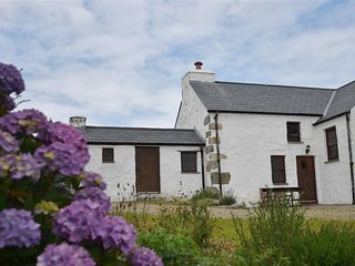 PANTEURIG COTTAGE, 2 bedroom, Pembrokeshire
