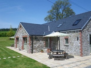 BARCUD COTTAGE, 2 bedroom, Carmarthenshire
