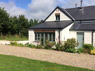 EAST BARN, 2 bedroom, Pembrokeshire