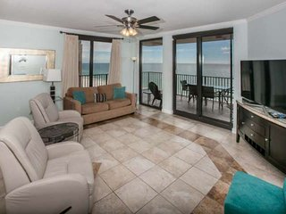 Gulf-front Corner 8th Floor | In/Out/Kiddie pools, Hot tub, Fitness, Racquetball