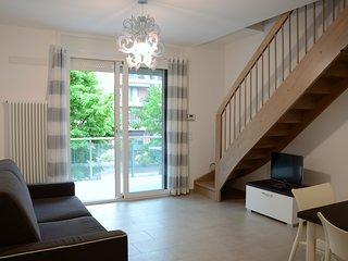 'La Casa di Pippo-Trilocale grigio',luminoso, nuovo, a due passi dal mare