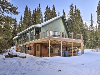 Secluded Breck Cabin: Hot Tub, 3 Mi to Main Street