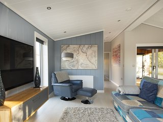 The Levels, Strawberryfield Park - A stylish architect designed lodge with a sta