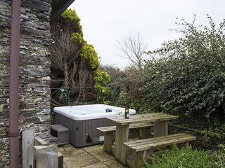 Badgers Way Cottage, Trevorrick Farm - Enjoy a wonderful family break at this lo