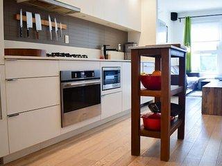 Spacious & Modern Vancouver Condominium