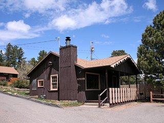 Lazy R Cottages: 2