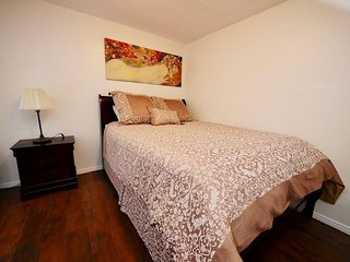 Hidden Gem ~ COZY Studio In The Middle of Historic Hillcrest ~ BEST LOCATION