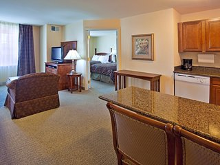Free Breakfast + Free Wi-Fi + Hot Tub | Great Suite Close to the ABQ Airport