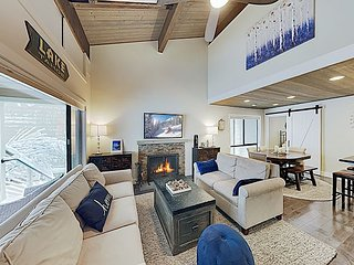 Stylish Forest Pines Beach & Ski Getaway | Near Lake