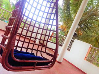 Sri Lanka East Coast Homestay With Balcony And Home Cooking - Master Bedroom