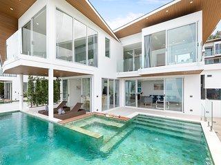 Chaweng Noi Luxury Beautiful 4-BR Blue Dream Villa