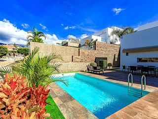 Spacious 7-bedroom Playa Del Duque villa, private heated pool. Heating included