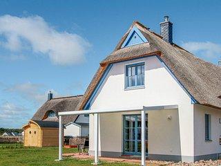 Nice home in Zierow OT Poeler Drift w/ Sauna, WiFi and 2 Bedrooms (DMK667)