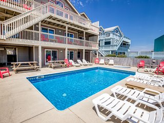 The Lodge | Oceanfront | Private Pool, Hot Tub | Nags Head