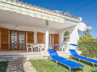 Beautiful home in Peniscola w/ WiFi, Outdoor swimming pool and 2 Bedrooms (EBA18