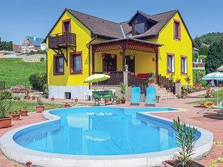 Nice home in Vonyarcvashegy w/ 4 Bedrooms (UBN263)
