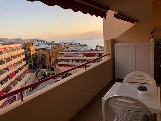Bonito apartamento con vistas al mar...