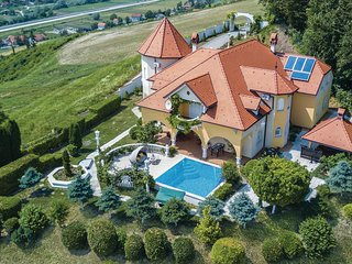 Amazing home in Sv.Kriz Zacretje w/ Jacuzzi, WiFi and 5 Bedrooms (CCC010)