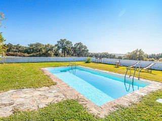 Nice home in Constantina w/ Outdoor swimming pool, Outdoor swimming pool and 4 B