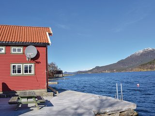 Nice home in Olensvag w/ 2 Bedrooms