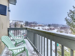 NEW LISTING! Condo near skiing & golfing w/shared pool, hot tub, sauna, & more!