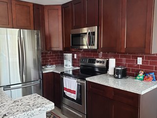 Modern fully remodeled*cinema theme*private patio*walk to ASU*near Sky Harbor