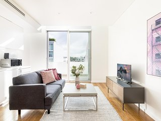 Trendy apartment close to uni, city, Newtown