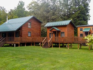 NEW! Cabin Complex w/ Trout-Stocked Creek On-site!