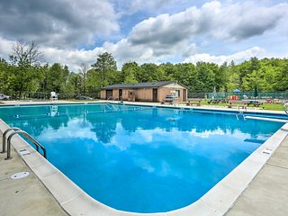 NEW! Home w/Community Pool, Walk to Arrowhead Lake
