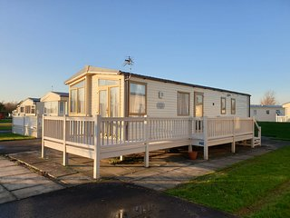 6 Berth dog friendly Southview Skegness Caravan