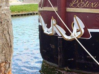 Logement sur l'eau a bord d'une peniche - Guest house on a French boat