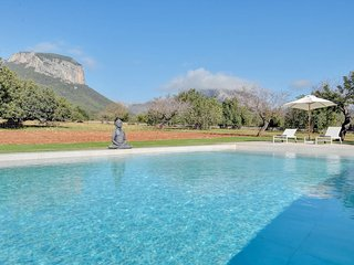 Villa Son Guinyol with breathtaking mountains views next to Alaro