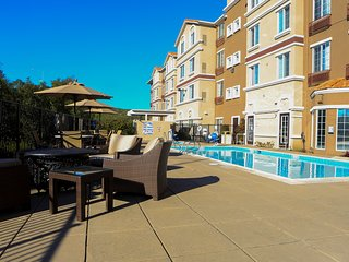 Suite near Downtown San Jose | Outdoor Pool + FREE Shuttle