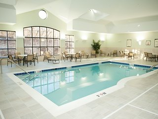 Air-Conditioned Suite | 24h Fitness Center, Indoor Pool + Shared Hot Tub